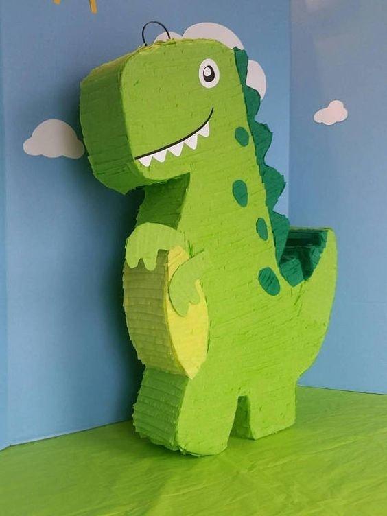 dinosaurio piñata con fondo