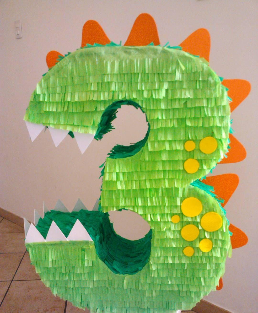 número 3 dinosaurio