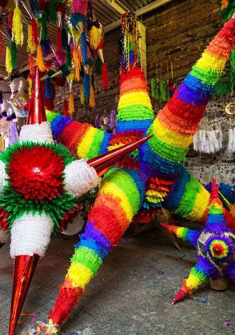 Piñatas de colores