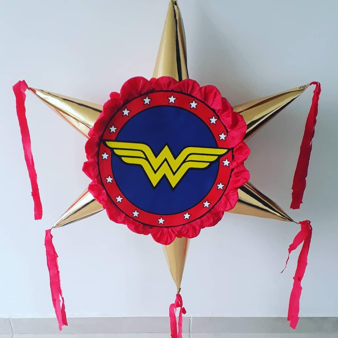piñata estrella mujer maravilla