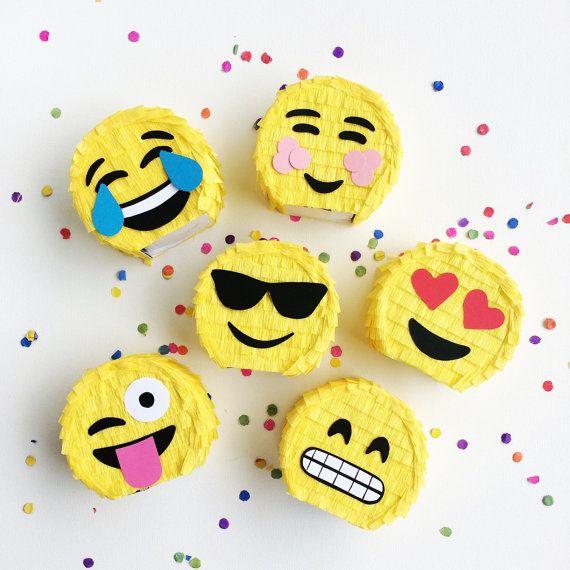 Piñatas minis emojis