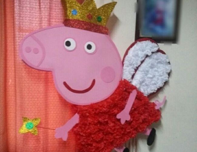 Peppa Pig volando piñata