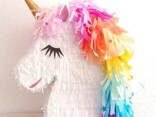 piñatas de unicornio multicolor