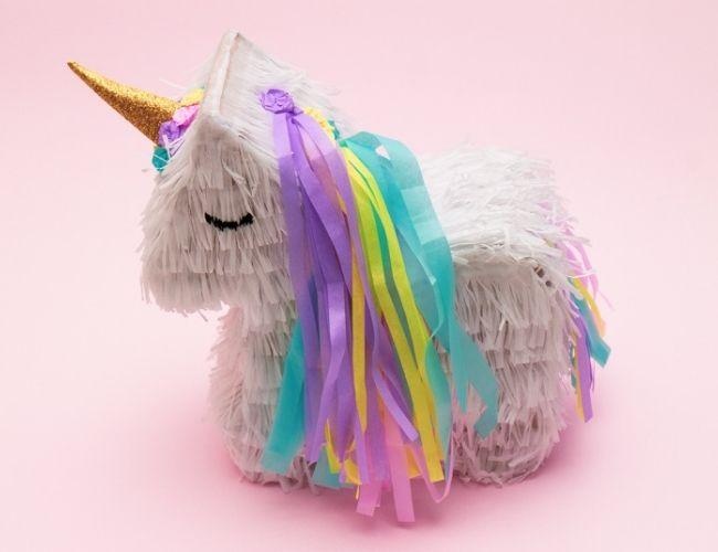 Piñata de unicornio multicolor