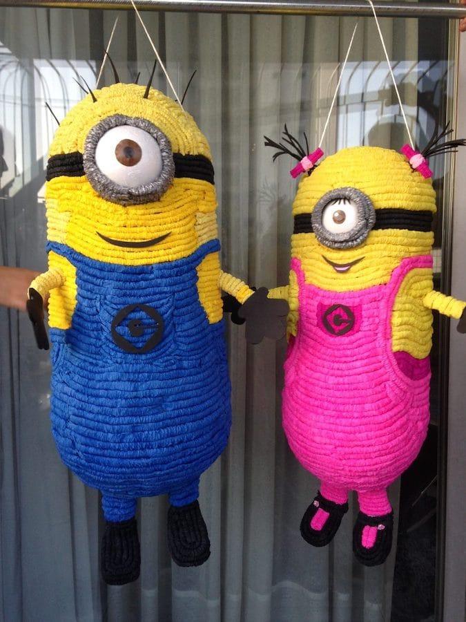 Piñatas de minions para ninas