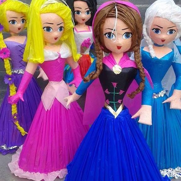 pinatas de princesas juntas