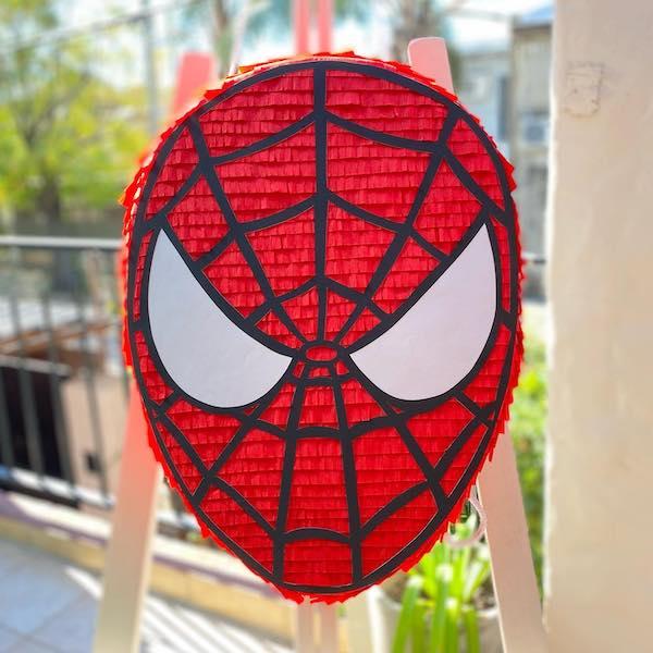 fotos de pinatas de spiderman