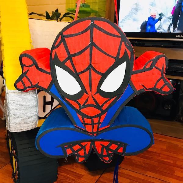 modelos de pinatas de spiderman