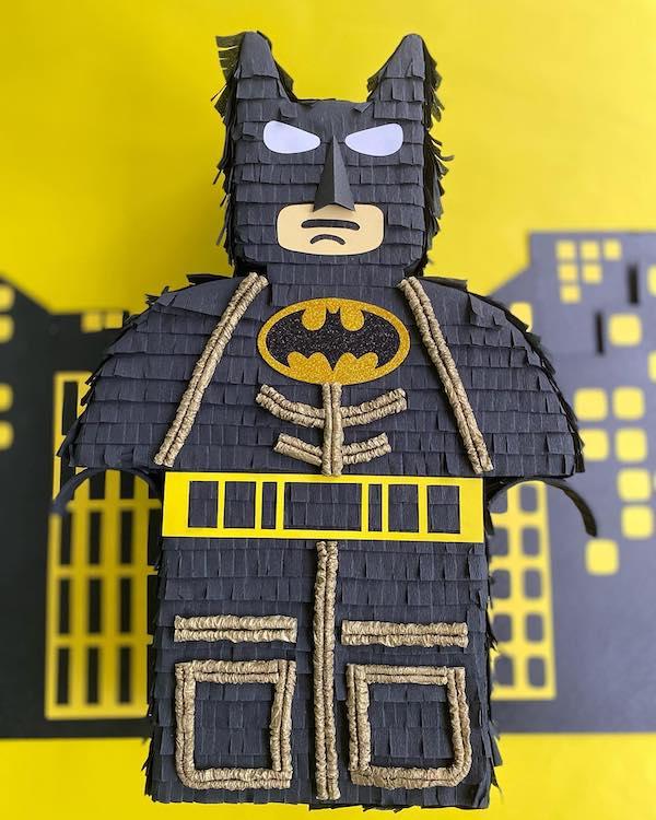 piñatas de batman legos