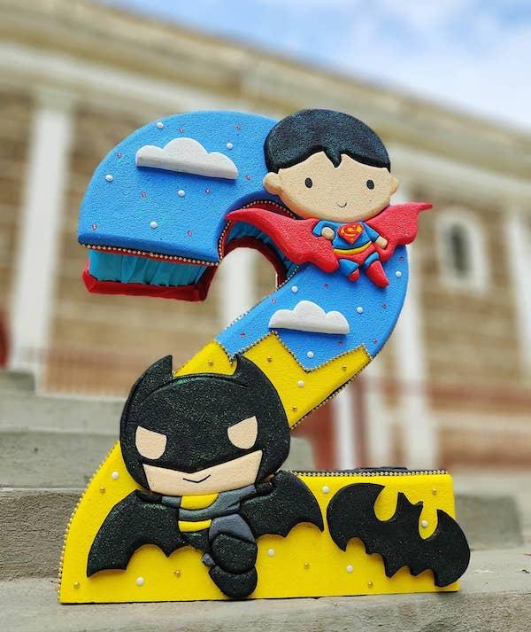 piñatas de batman y superman