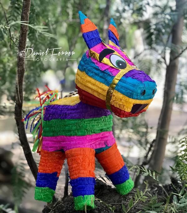 piñatas de burrito mexico