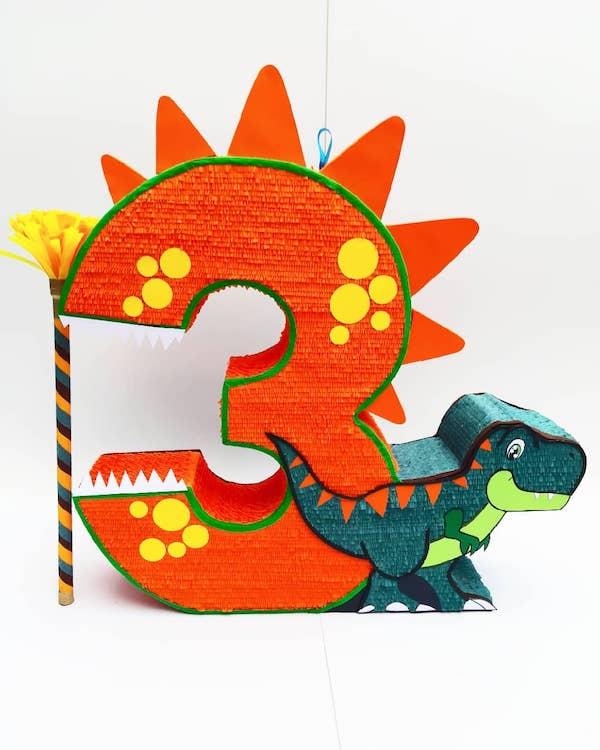 piñatas de dinosaurios numero 3