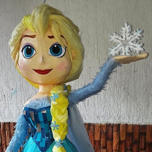 piñatas de frozen elsa 3d