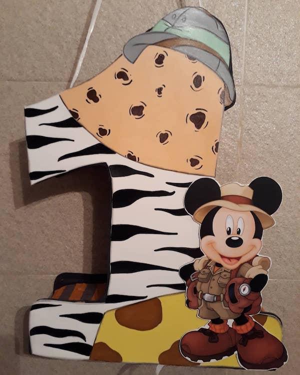 piñatas de numeros de mickey