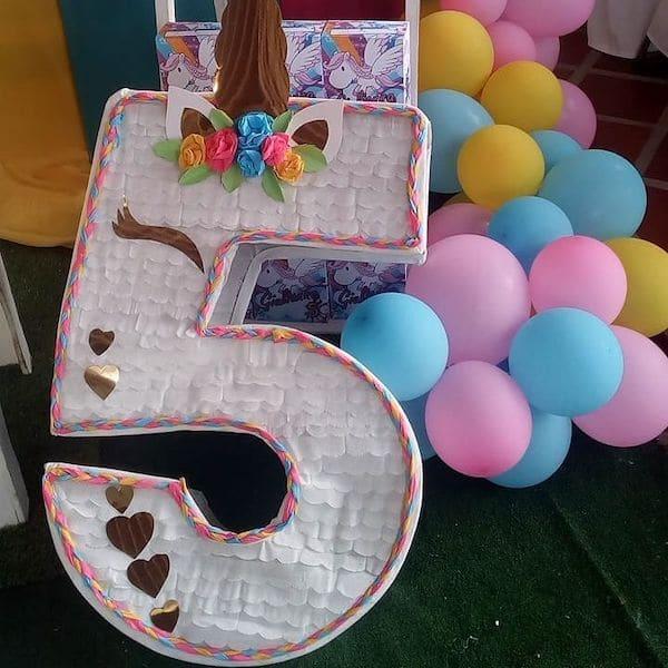 piñatas de numeros de unicornio