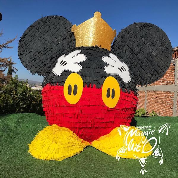tematica piñatas de mickey mouse