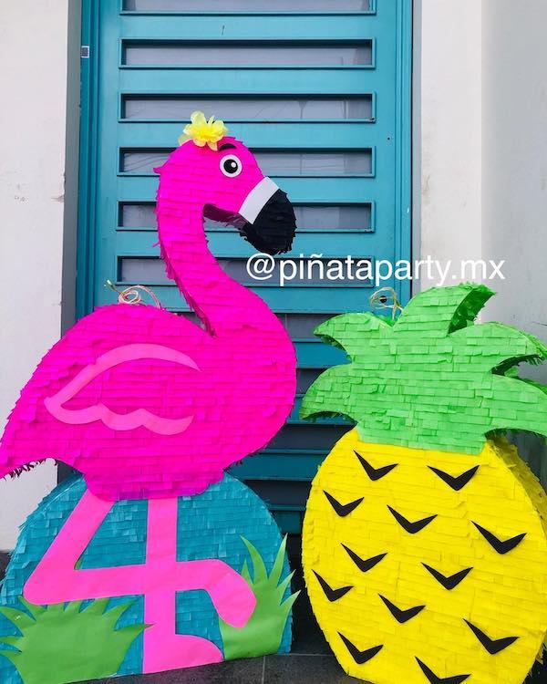 Pinatas de cumpleanos flamingo
