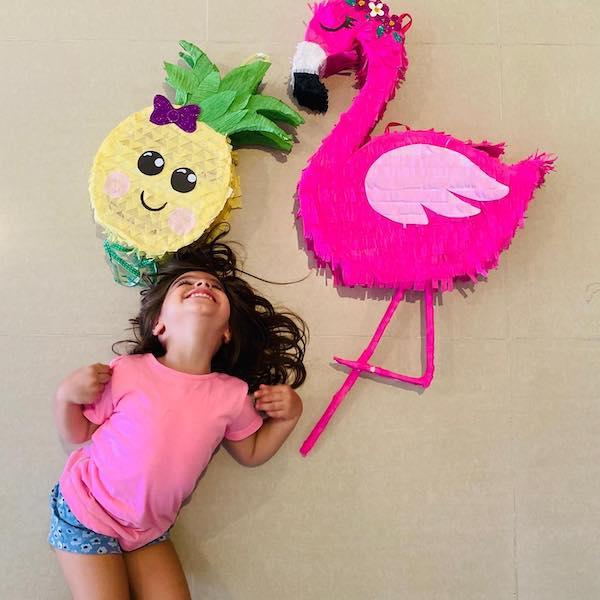 como hacer pinatas de flamingo