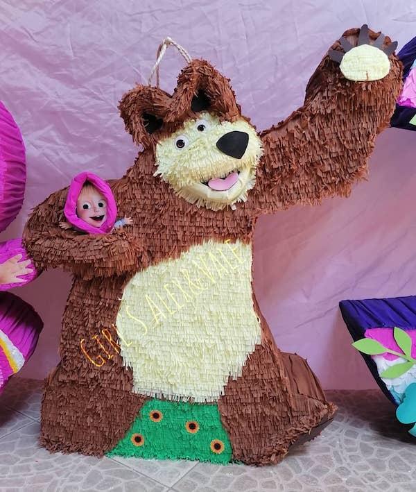 pinatas de masha y el oso numero 4